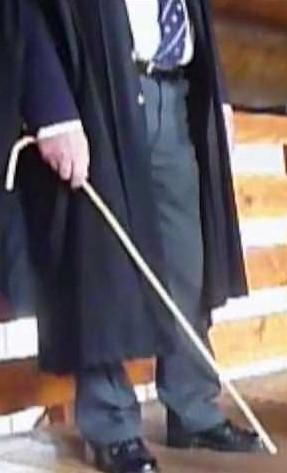 cane-holding-23