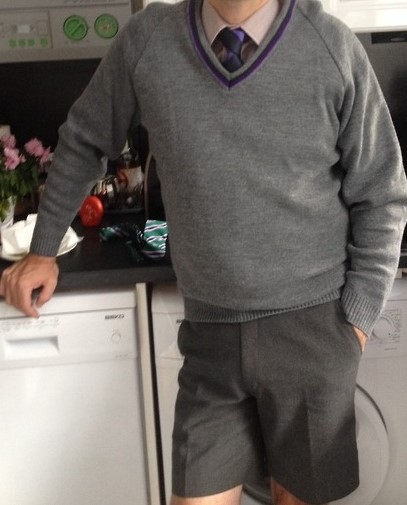 z-used-shorts-uniform-grey-jumper-kitchen-14
