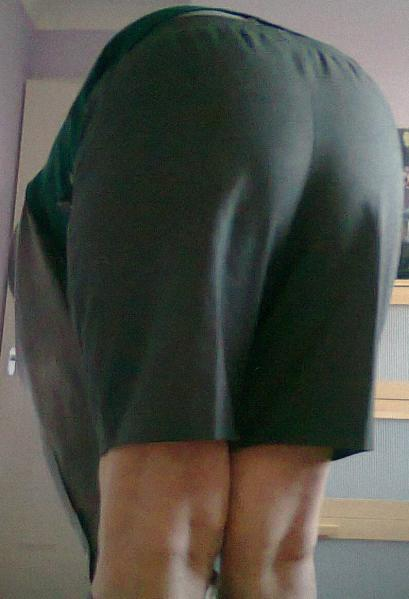 school shorts touch toes (1)